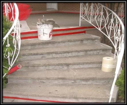 Escalier fait avec une texture sablé