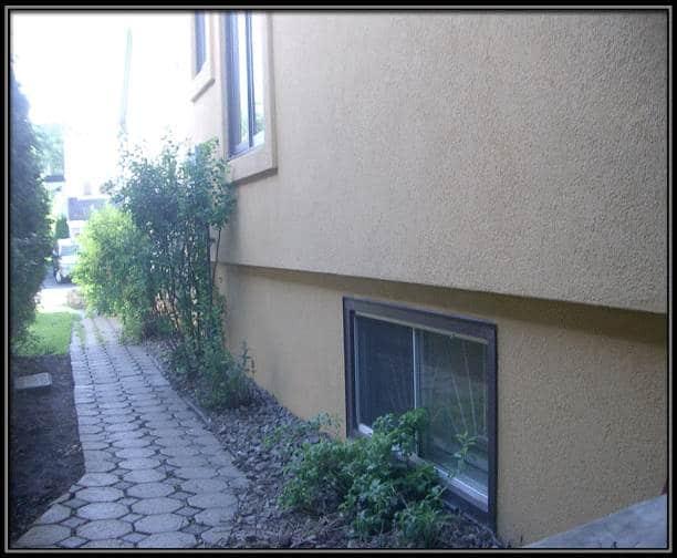 Murs et fondation refaits en acrylique for Peinture sur ciment exterieur