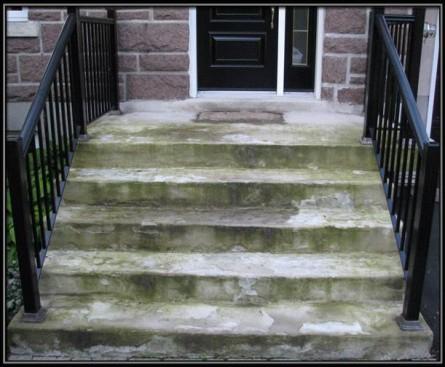 Escalier très endommagé par le temps à Baie d'Urfé