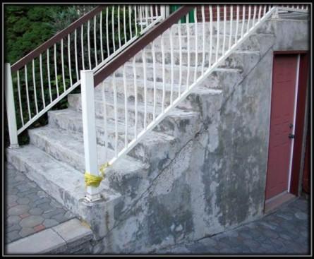 Escalier et entrée de logement à Anjou.